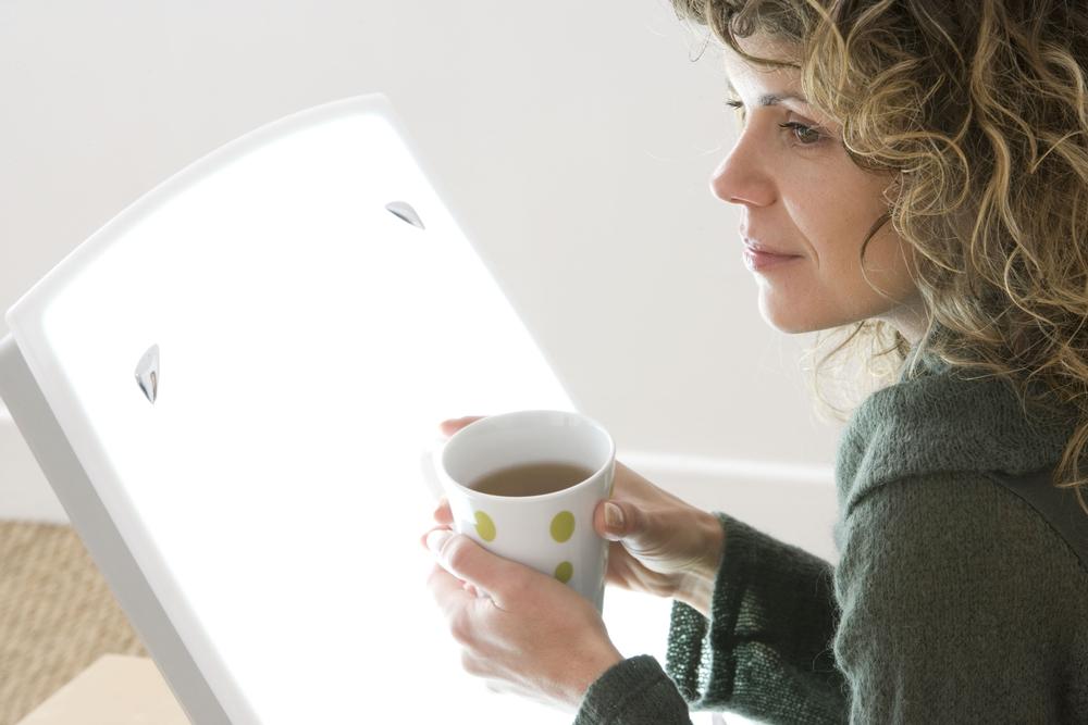 Lichttherapie mit einer Tageslichtlampe – Anwendung und Wirkung